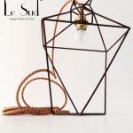 TWIST : struttura in ferro verniciato .  cavo elettrico  in tessuto ( a scelta) h 40 cm dimensione max. 23 cm
